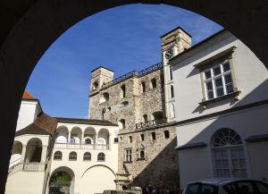 Sárospataki vár belső udvar