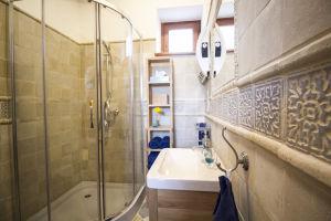 HARMATCSEPP kék fürdőszoba