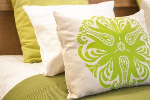 Mandalás párna zöld színben