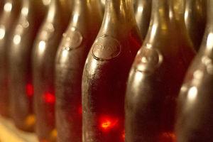 A klasszikus tokaji borosüveg