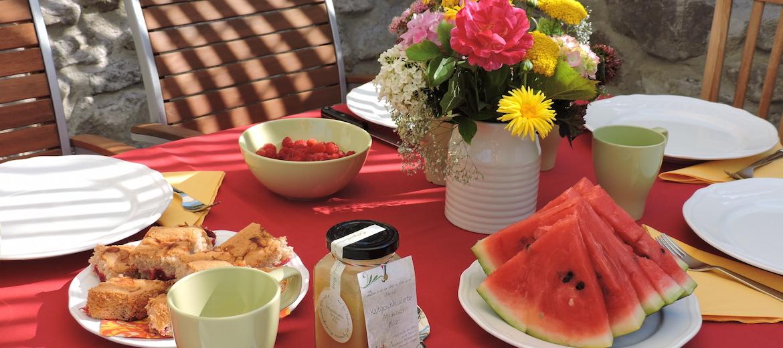 Próbálja ki helyi ízekből összeállított reggelinket, vacsoránkat! Kezdje a gasztrokalandokat nálunk.